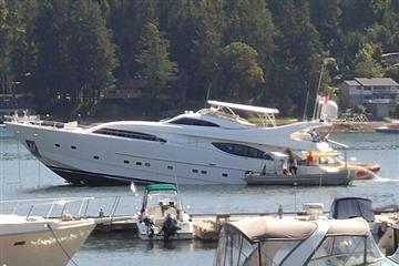 articles - multi-million-dollar yacht runs aground on sunshine coast