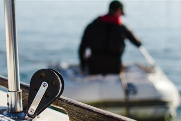 articles - what-happens-when-your-boat-runs-out-of-fuel