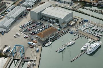 articles - oyster expands its southampton shipyard
