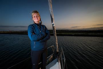 articles - poole harbour commissioners support vendee globe racer pip hare