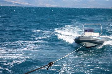 articles - why-boats-get-towed-and-how-to-prevent-it