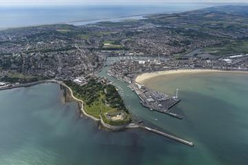 articles - moor for less in the south with weymouth harbour
