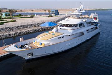 articles - yachtbid-successfully-auctions-most-expensive-yacht